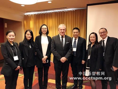 受中国基督教两会委派,单渭祥牧师出席葛培理牧师追思礼拜