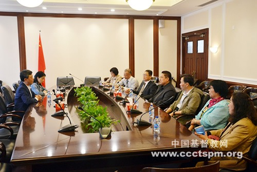 中国基督教协会会长吴巍牧师接待天津市基督教两会教牧同工