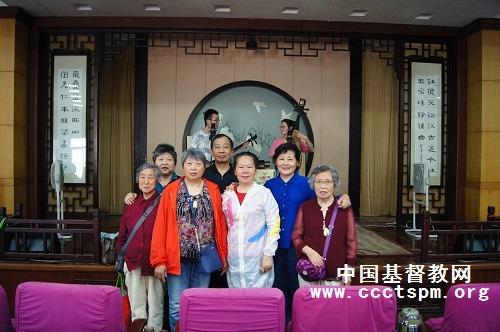 苏州市慕家花园堂举办第七届乐龄营活动