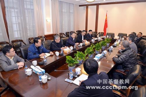 中共上海市委常委、统战部部长郑钢淼走访基督教全国两会,送上节日慰问