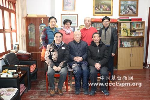 陕西省基督教两会年终关爱慰问老牧长