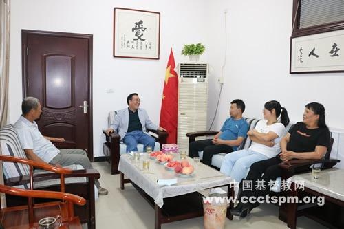 陕西省基督教两会主席、会长王俊牧师赴富平教会走访调研
