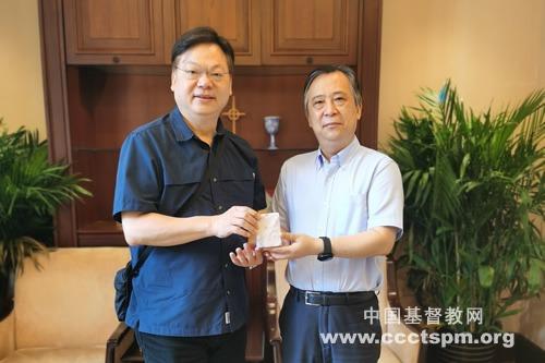 徐晓鸿牧师会见香港林以诺牧师
