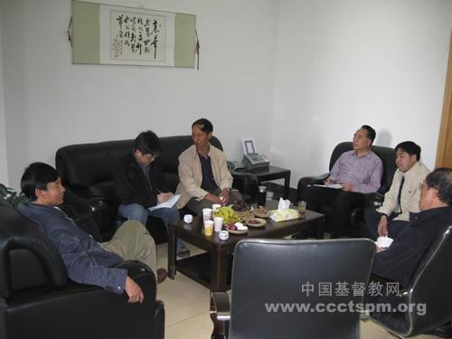 中国基督教协会总干事阚保平牧师走访云南教会