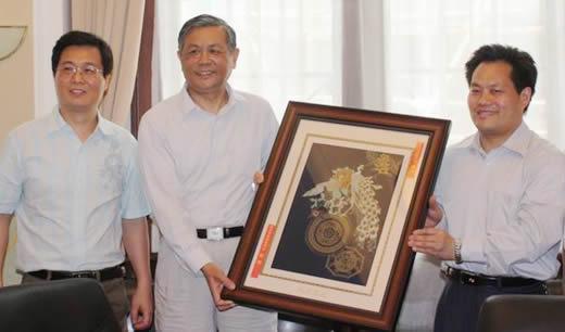 南京市基督教两会及民宗局一行访问基督教全国两会