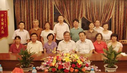中国基督教三自爱国运动委员会主席傅先伟长老赴重庆教会走访和调研