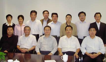 傅长老、高牧师看望中国人民大学基督教学员